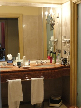 The Westin Excelsior Florence: Room 320 - Bathroom