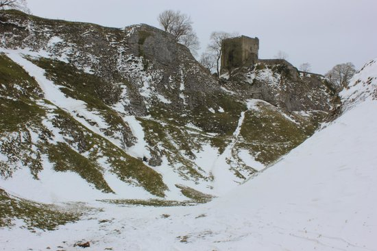 Causeway House: Pervil Castle from Cave Dale