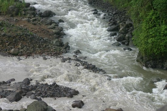 Exploradores Outdoors: Some of the shallow rapids