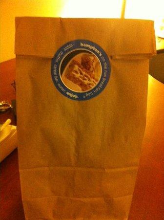 Hampton Inn & Suites Denver-Speer Boulevard : Breakfast Bag (free)