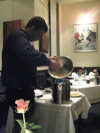 Don Camillo: Our waiter is making the white sauce for the poached pears