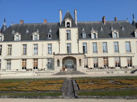 Château d'Augerville : le château coté golf