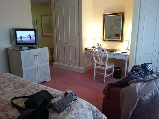 The Merrion Hotel: room