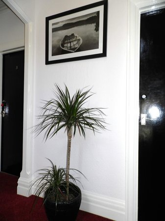 The Waterside B&B: Hallway
