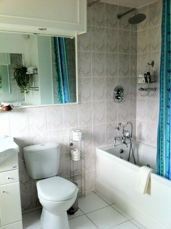 Sea Shore Farm Guesthouse: Bathroom