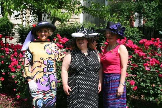 Central Park Bed and Breakfast: Ready for the Oaks!