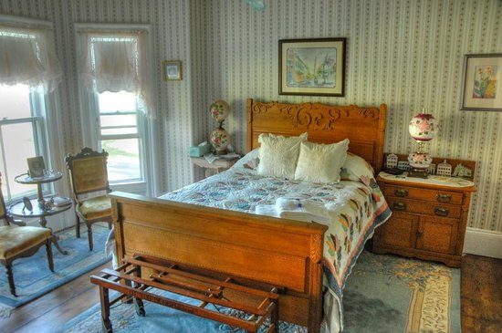 A Seafaring Maiden Bed and Breakfast: The Abigail