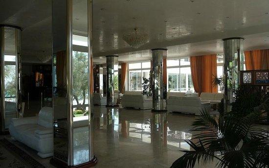 Grand Hotel Costa Brada: Hall dell'hotel