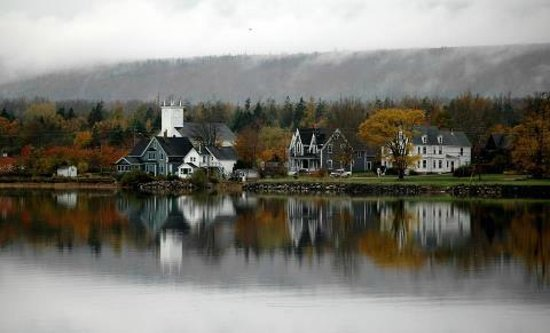 A Seafaring Maiden Bed and Breakfast: Granville Ferry view from Annapolis Royal
