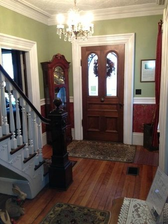 A Seafaring Maiden Bed and Breakfast: Entry way @ A Seafaring Maiden B&B