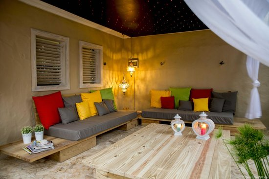 Bamboo Bali Bonaire Resort : The new lounge area