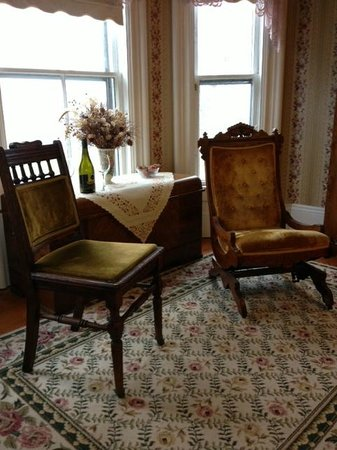 A Seafaring Maiden Bed and Breakfast: The Bessie sitting area