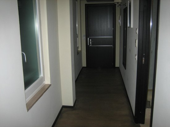 Ponte Vecchio Suites & SPA: corridoio interno camera