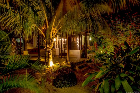 Bamboo Bali Bonaire Resort : Uluwatu after dark