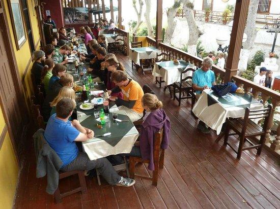 Barranco: Bajada: Restaurant Toto´s voll