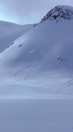 Alaska Powder Descents : A fun zone near the Mendenhall Towers