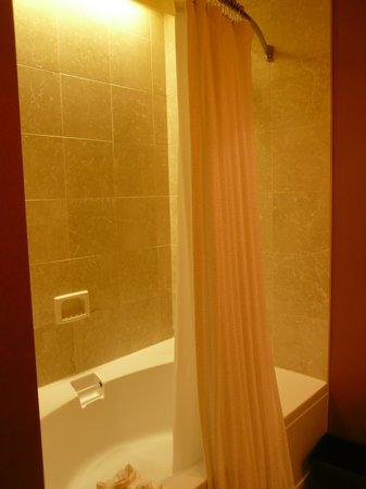 Magnolia Hotel Houston: バスルーム1