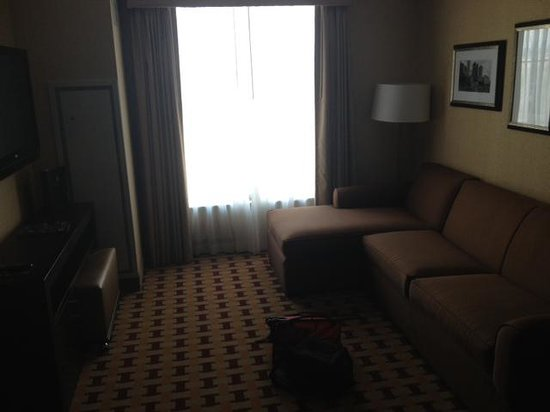Embassy Suites by Hilton Columbus - Airport: Nice, large couch