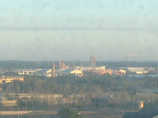 Four Points by Sheraton Orlando Studio City Hotel: View from room of Universal