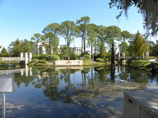 Overview of the Sculpture Garden - Picture of New Orleans Museum of ...