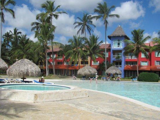 Tropical Princess Beach Resort & Spa: Caribe hotel and pool