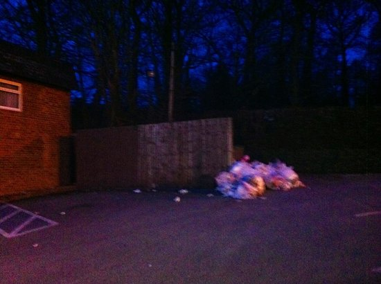 Ramada Birmingham Sutton Coldfield: Car park next to family rooms