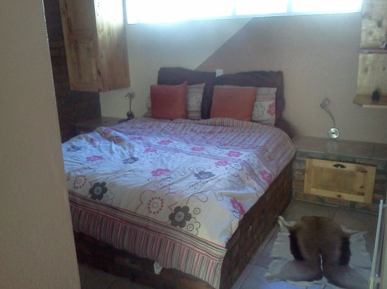 101 Oudtshoorn Holiday Accommodation: Bedroom