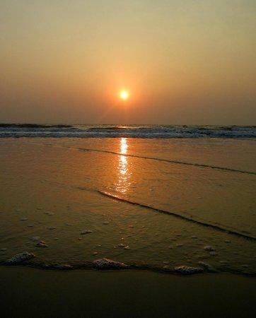 Cavelossim Beach: закат и прилив