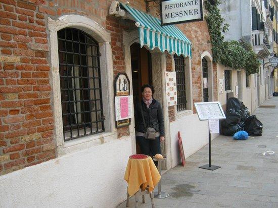 هوتل ميسنير: Restaurant Entrance