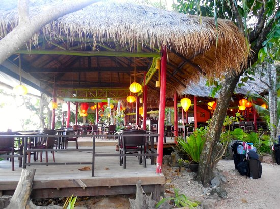Relax Bay Resort: The bar and restaurant