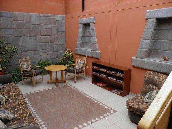 Hospedaje Turistico San Blas : Sala de chá e leitura
