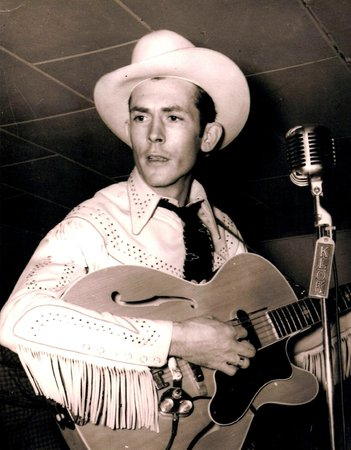 Hank Williams Museum: Hank Williams playing electric guitar, Nov 1952, San Jose, CA