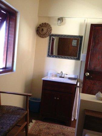 Italian Guesthouse: bathroom