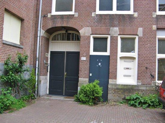 Excellent Rooms : Front Door
