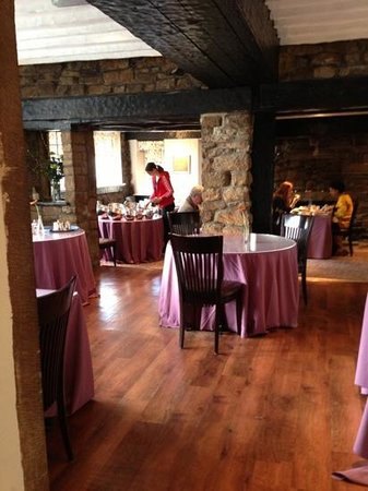 George Hotel: breakfast area