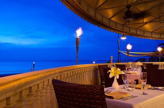 Solana: Ocean front dinning experience