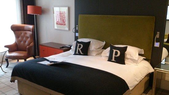 Rudding Park Hotel: Huge beds (2 meters wide)