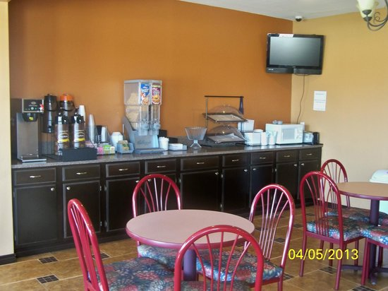 Super 8 Terrell: Breakfast Area