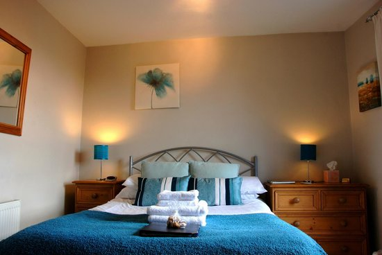 Orrest Cottage Bed & Breakfast: bed
