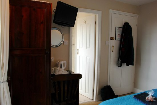 Orrest Cottage: room