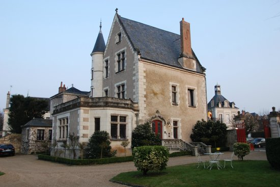 Le Manoir Saint Thomas: The manor from the garden