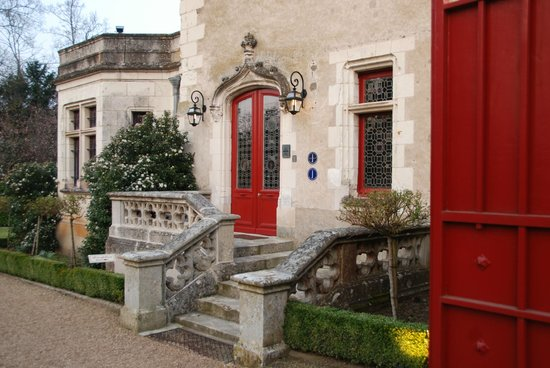 Le Manoir Saint Thomas: The charming entry