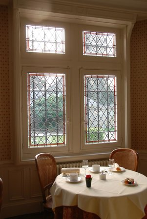 Le Manoir Saint Thomas: Lovely dining room for breakfast