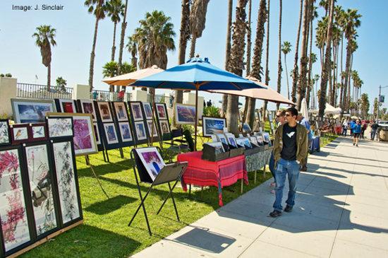 Summerland, CA: Sunday Arts & Crafts Festival near the beach