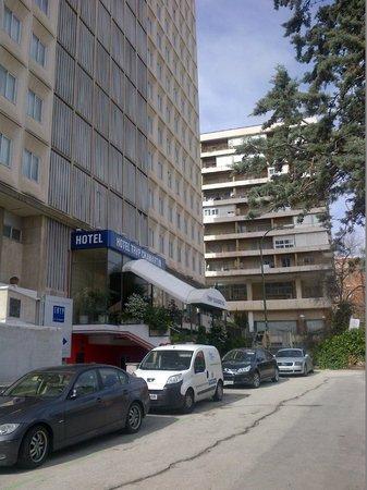 TRYP Madrid Chamartín Hotel: Entrada principal
