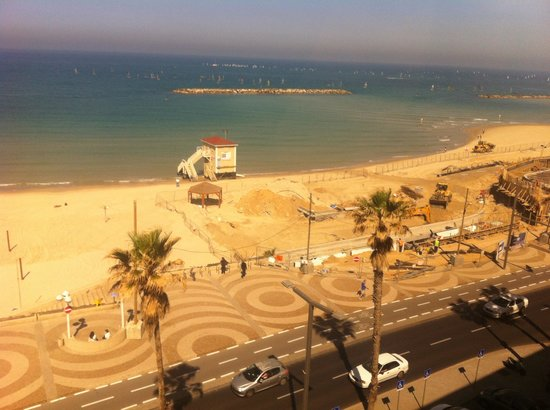Dan Tel Aviv Hotel: A view from our room