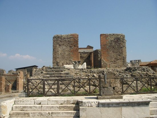 Tempio della Fortuna Augusta : Temple of Fortuna Augusta of Ancient Pompeii