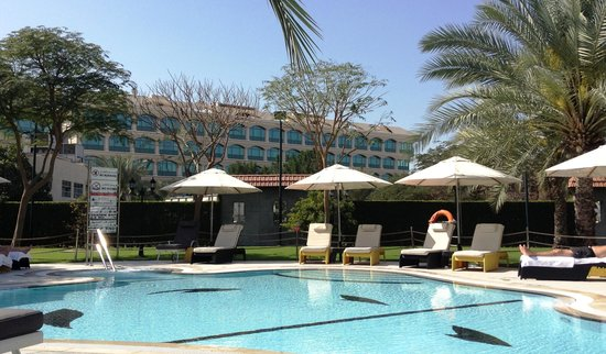 Le Meridien Dubai Hotel & Conference Centre: royal club pool