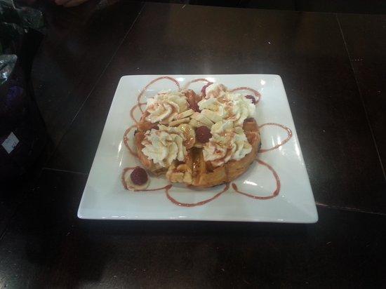 West Coast Waffles: yum yum