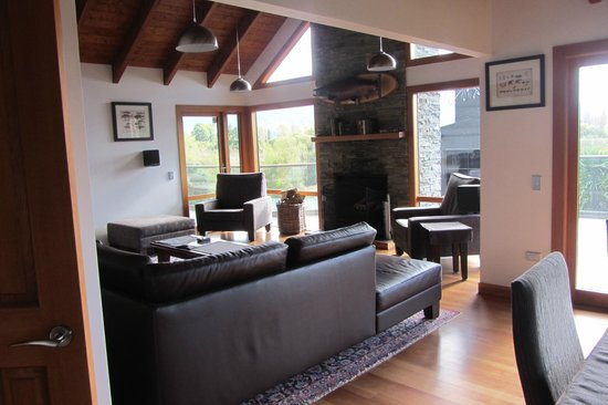 Tongariro Lodge : Old world fishing